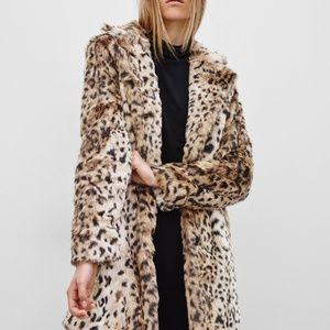 Aritzia faux fur leopard print coat small CT